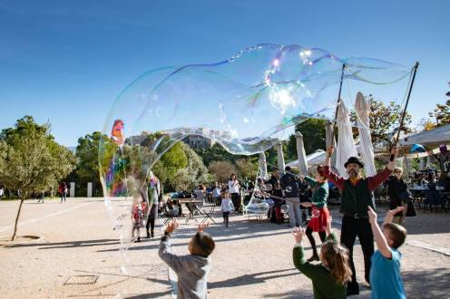 Bubble Parade | Δήμος Αθηναίων | Χριστουγεννιάτικες Εκδηλώσεις |