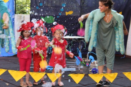 ιστορίες από τον βυθό bubble performance greece