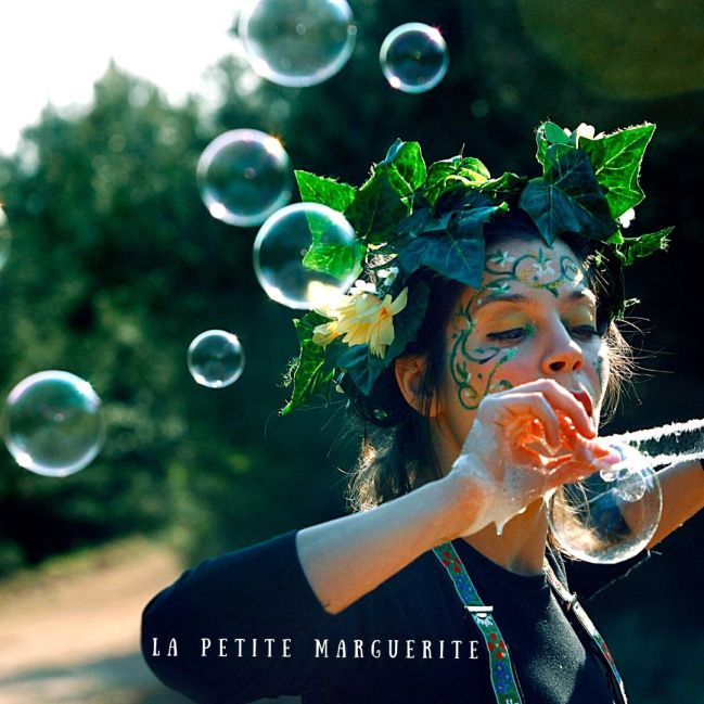 Bubble Parade | ο Κήπος των Ευχών 01